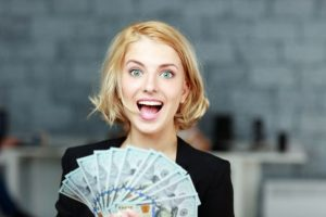 Mokslininkai įrodė: laimę galima nusipirkti už pinigus